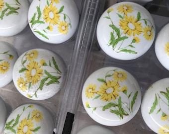 "Vintage Ceramic/glass knobs 1-1/4"" diameter"