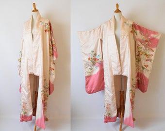 Vintage Japanese Embroidered  Silk Kimono