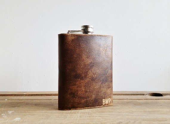 Personalised Leather Flask Genuine Leather Hip Flask Groomsmen leather flask gift Initalled hip flask for men Customised leather goods