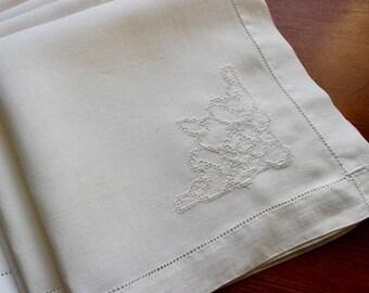 Vintage Linen Napkins 6 White Hand Drawnwork Punchwork Cloth Hemstitched Dinner