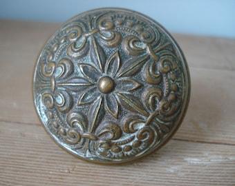 Vintage Door Knob/Vintage Hardware/Brass Door Knob/Ornate Brass Door Knob/Fleur de Lis