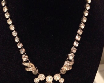 Vintage 1940 genuine Eisenberg necklace, signed