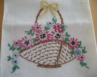 Charming UNUSED Vintage Huck Towel with Embroidered Floral Basket