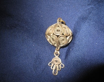 a  vintage  pendant-amulet metal filigree h. 5 cm Near East Morocco