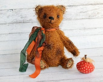 Mr. Crisp 7 Inch Fall Themed Artist Mohair Teddy Bear (HAFAIR)