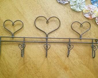 Vintage Farmhouse Wire Ware Heart Hook Rack