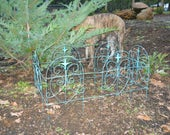 Vintage Turquoise Fairy Fencing Wire Rustic Garden Fleur De Lis Heart Metal Picket Fence Country Cottage Landscaping Farmhouse Garden