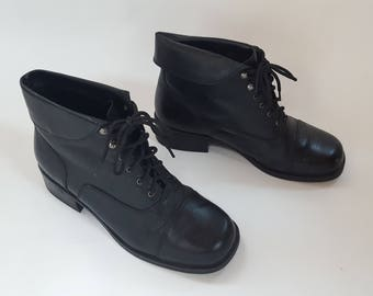 1980s Black Leather Lace up Square Toe Boots / Womens Size 10 / Mens Size 8