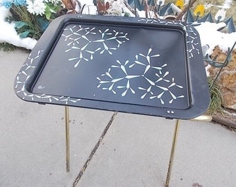 TV Tray, Tee Retro Black Metal Tv Trays , Black Tv Tray, Folding Tv Tray, Vintage Home Decor, Home Decor,