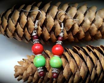 Gipsy boho folk howlite earrings, handmade natural gemstone earrings, red howlite, green howlite, chic and elegant earrings, old fashion