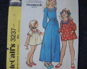 vintage 1970s McCalls sewing pattern 3237 girls dress or smock size 5