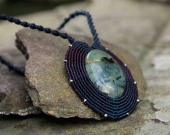 Renaissance necklace with prehnite