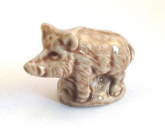 Wade Whimsie: Wild Boar Red Rose Tea Figurine