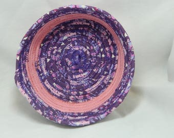 Clothesline coiled bowl in purple