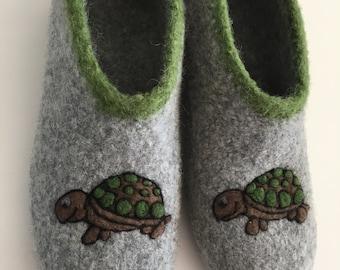 """Felt shoes """"Turtle"""""""