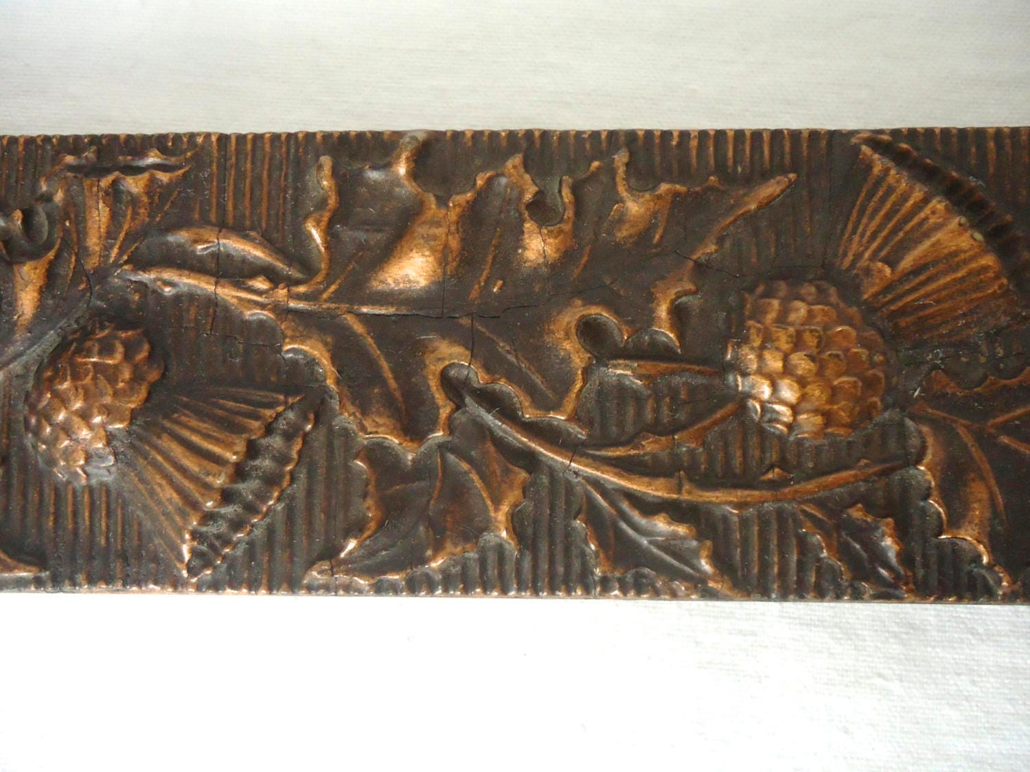 Vintage thistles and leaves scottish carved wood picture frame 1800 shipping jeuxipadfo Image collections