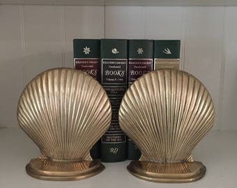 Brass Bookends Shells / Vintage Brass Bookends MId-Century Bookends Brass Clamshells