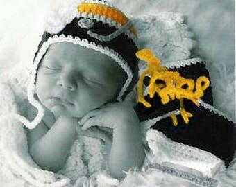 BABY GIRL HOCKEY Black Gold Hockey, Hockey Crochet Skates, Hockey Baby Knit Hat, Hockey Knit Skates, Crochet Hockey Hat, Baby Girl Clothes