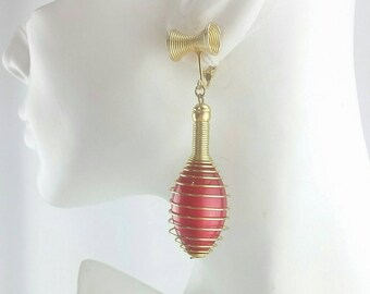 Vintage MOD Red and Gold Wire Wrap Disco Dangle Clip on Earrings