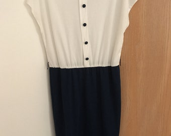 Vintage white and navy blue dress size 14