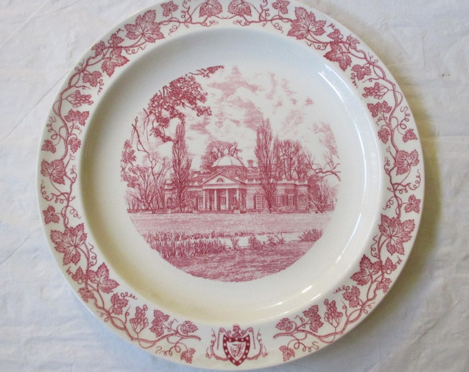 "1956 Wedgwood Thomas Jefferson 10"" MONTICELLO Plate, Pink Grapevine Rim"
