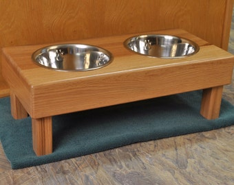 Red Oak elevated dog feeder, Honey Pecan Stain