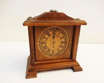 Vintage Coaster Set - Clock Shaped Coasters -Set of 6 - Wood - Retro Barware - Novelty Coasters