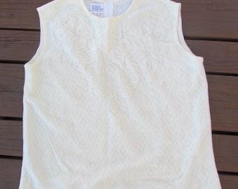 Cream Top Sweater Japan Sleeveless