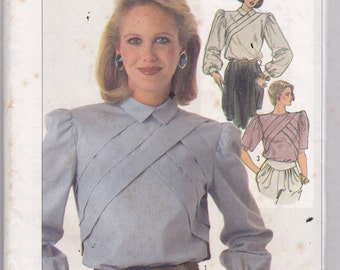 Simplicity 7121 Vintage Pattern Womens  Back Button Up Blouse in 3 Variations Size 10