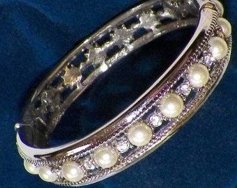 Jackie Kennedy Wedding Bracelet - Platinum Plated, Faux Pearls, Box and Certificate
