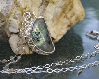 Labradorite Half Moon Pendant / Green Fire Bold Streaks / Grey Labradorite / SMALL BUSINESS SATURDAY / Christmas Gift for Her / Natural Gems