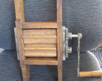 Old primative Ruffler, Crimper, Pleater or Fluter - Handmade - Oak Wood - heavy gears - a unique but useful item - Estate find!
