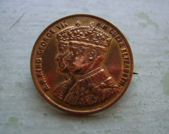 A Vintage Badge/Pin - Coronation King George VI & Queen Elizabeth - Souvenir - 1930's.