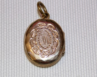 RESERVED FOR JILLIAN - 9ct (F/B) Antique Oval Locket