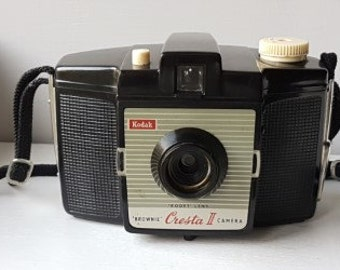 Lovely Old English Made 1950's Bakalite Kodak Cresta II 'Brownie' Camera.
