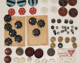 Lot of Vintage Decorative and Fancy Vintage  Buttons, Lot G