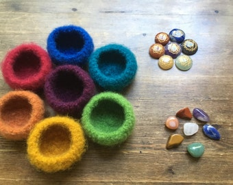 CHAKRA FELTED BOWLS with 2 sets of chakra stones