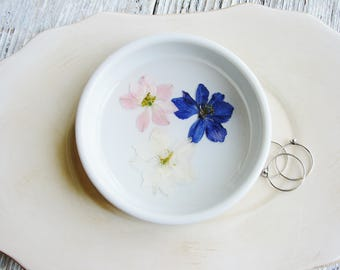 Wedding Ring Dish, Real Flower Bowl, Ceramic Ring Holder, Pressed Flowers Dish, Jewelry Organizer, Trinket Tray