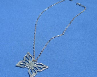 Retro Butterfly Metal Pendant Necklace