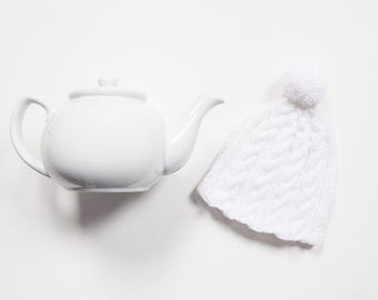 White hand knit tea cosy - Pom pom tea cosy - Wool tea cosy - Teapot cover & warmer - Vintage tea cosy - Knitted teapot cosy - Pompom