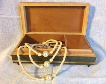 Vintage Jewelry Music Box/Floral Print Jewelry Box