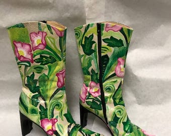 Painted ivy boots