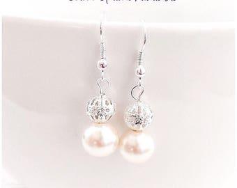 Pearl Earrings, Ivory Pearl Earrings, Pearl Jewelry, Bridesmaid Earrings, Bridesmaid Gift, Wedding