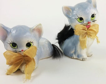SALE! Vintage Kittens Salt and Pepper Set/Japan - Cute Eyes with Bows