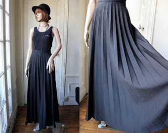 Pleated maxi skirt black high waist 70s vintage long skirt high waisted full sweep large pleats hippie goth gothic boho - Size S - EU 38