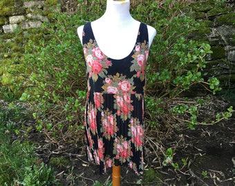 Black 90's Floral Dress // 6 // 8 // Medium // Large // Summer // Tank //