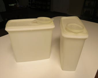 Set of Two (2) Tupperware Store and Pour Cereal Containers with lids 469-5