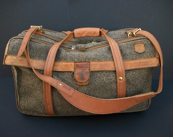 Hartmann Brown Tweed Leather Trim 3 Compartments Carry on Shoulder Bag Suitcase Weekener