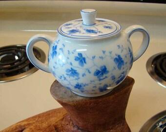 Arzberg Bavarian porcelain Blue Floral sugar bowl, vintage porcelain sugar bowl with lid, Arzberg Bavarian Porcelain