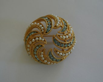 Periwinkle BSK Estate Brooch Round Cone Shell Gold Tone Faux Pearls Blue Stones Signed